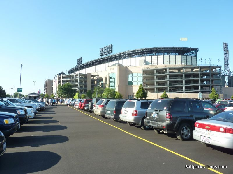Guaranteed Rate Field exterior architecture